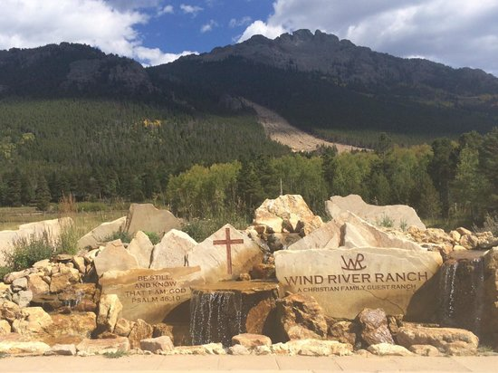 Wind River Christian Family Dude Ranch : This greets you upon arrival