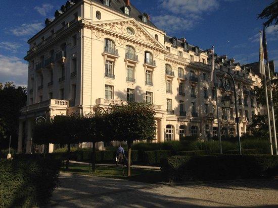 Trianon hotel picture of trianon palace versailles a waldorf astoria hotel versailles - Hotel trianon versailles ...