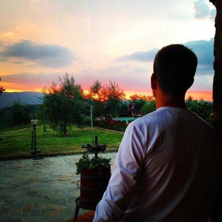 Agriturismo Savernano : Watching the sunset before dinner.
