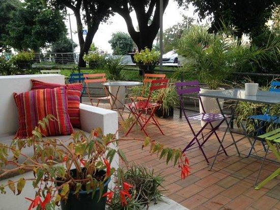 Hotel Spot: Tavolini esterni