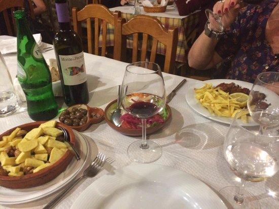 Vinho e Noz: Javali e porco preto