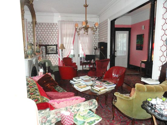 Victorian Bed Breakfast Of Staten Island Living Room With Background Music And Evening Lights