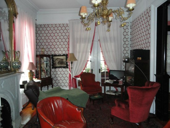 Victorian Bed Breakfast Of Staten Island Living Room With Background Soft Music