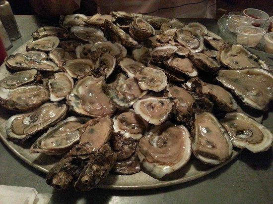 Awful Arthur's Oyster Bar: Peck of Oysters