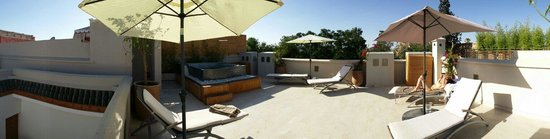 Riad Tahili & Spa: Terrasse - Jacuzzi