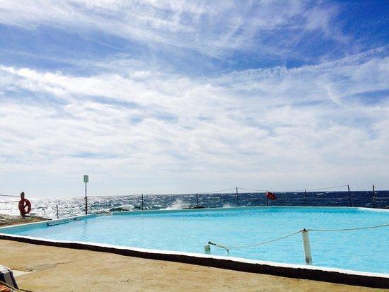 Hotel Rocce del Capo: Piscina sul mare