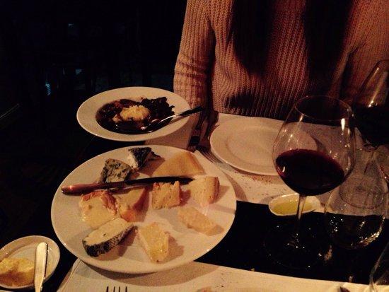 Le Wine Bar des Marolles : Selezione di formaggi...