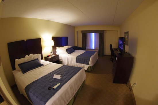 BEST WESTERN PLUS Waynesboro Inn & Suites Conference Center: wide room