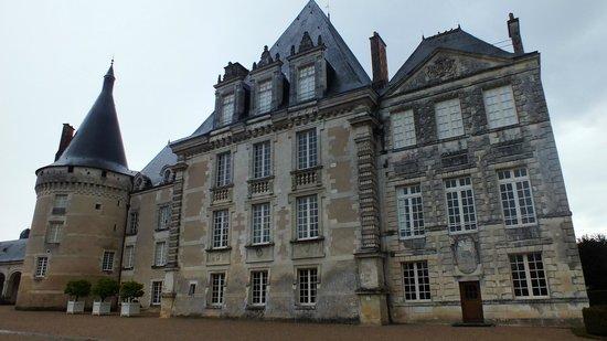 Azay-le-Ferron, Γαλλία: Plusieurs siècles...