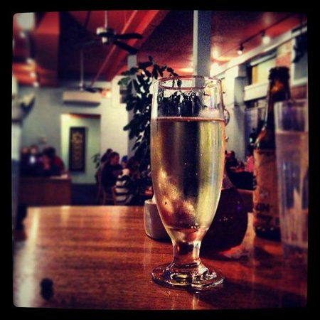 Thai Taste : Local flavor, served by the glass!