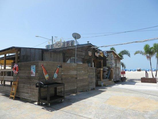 Postcard Inn on the Beach: Strand