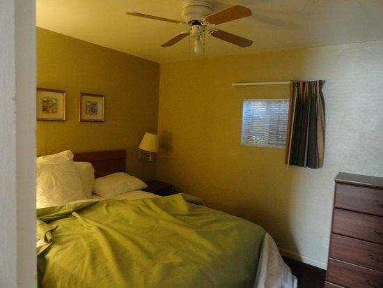 Travelodge by Wyndham Eugene Downtown/University of Oregon: Room #2