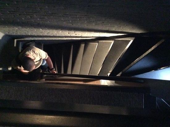 Postiljon: Stairs to Rooms 1-3