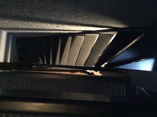 Postiljon: Stairs looking from Room 2