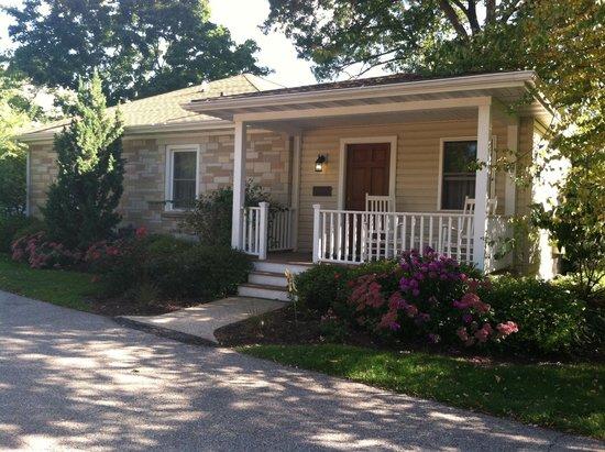 SevenOaks: Our adorable cottage