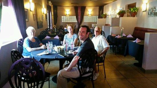 Cuba Cafe Restaurant : Cuba Cafe with friends.