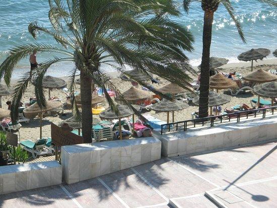 Aparthotel Puerto Azul Marbella : Taken from side balcony