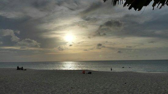 Pauline's Apartments Aruba: Tramonto aruba