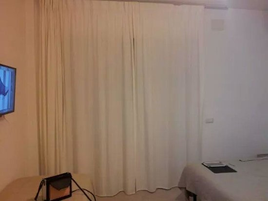 B&B 2012: room
