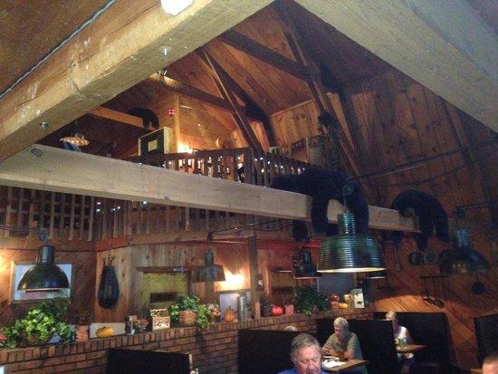 Bogart's Restaurant & Tavern: Total Atmosphere
