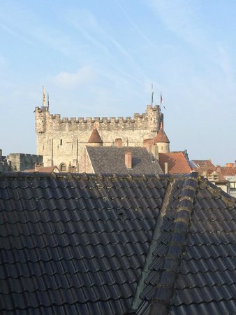 Hotel Harmony: The view across the rooftops from our room