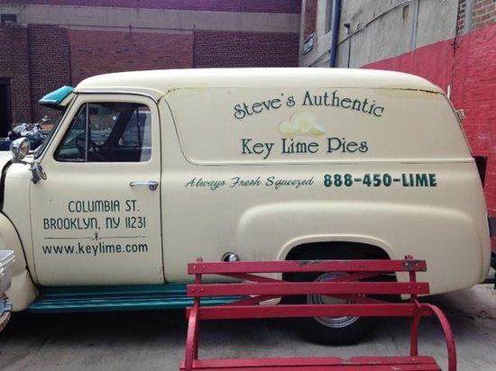 Steve's Authentic Key Lime Pies: Old key Lime pie truck