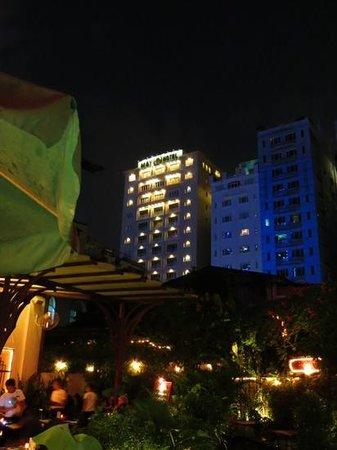 May Hotel: het Hotel...