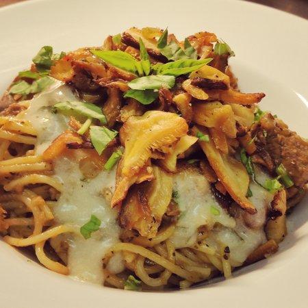 Gordon House Restaurant: Italian slow cooked wild boar ragu with wild mushrooms