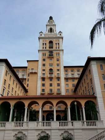 The Biltmore Hotel Miami Coral Gables: Hotel view from the fromt