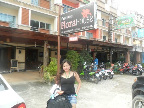Pranang Flora House
