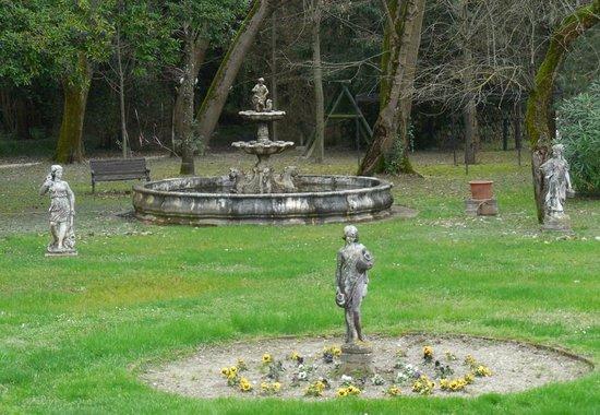 Hotel Villa Luppis: garden