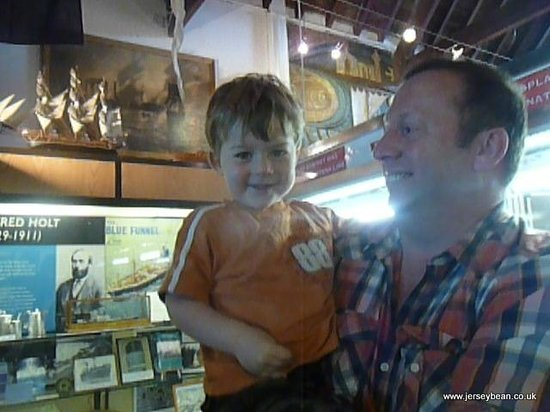 Holyhead Maritime Museum: Very happy 3 year old