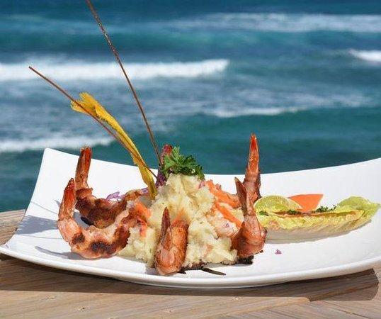 Ocean Front Restaurant: Camarones !!