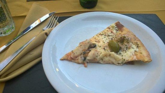 Pizza Color: pizza de frutos do mar