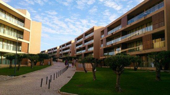 Salgados Vila das Lagoas Apartments: Outside