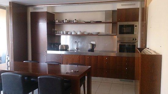 Salgados Vila das Lagoas Apartments: Kitchen