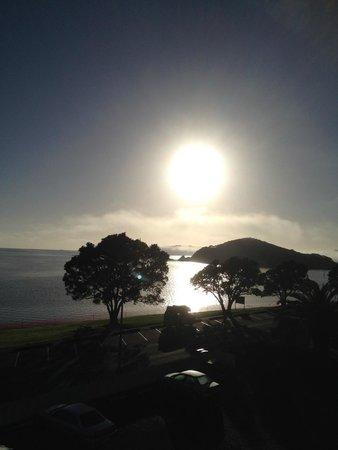بايهيا بيتش ريزورت: Sunset from the room