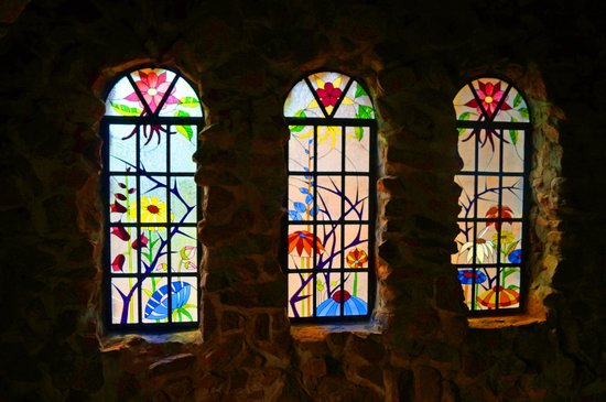 Bishop Castle: Gorgeous stained glass