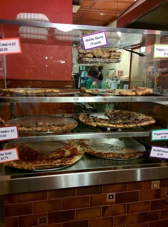 Pizza Mondo: Big slices to go.