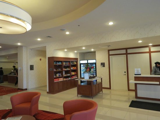 Homewood Suites by Hilton Winnipeg Airport-Polo Park, MB: Store