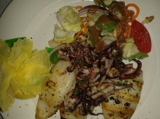 Luciano's of Chicago: Grilled calamari at Luciano's
