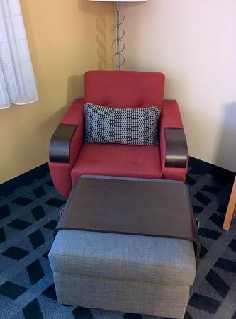TownePlace Suites Bend Near Mt. Bachelor: Comfortable seating.
