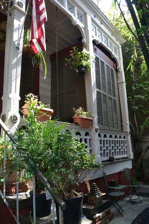 1870 Banana Courtyard French Quarter / New Orleans B&B : Porch