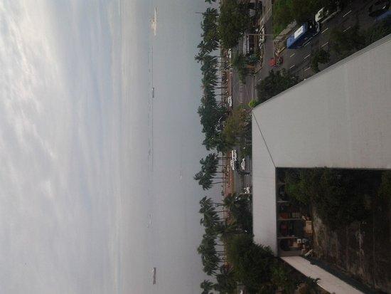 New World Manila Bay Hotel : View