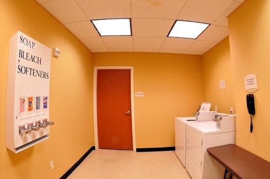 Fairfield Inn & Suites Fresno Clovis: Guest Laundry