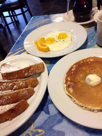 Mr. Mamas: French toast and pancakes