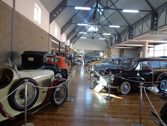 The Henry Parkes Centre: Motor Museum