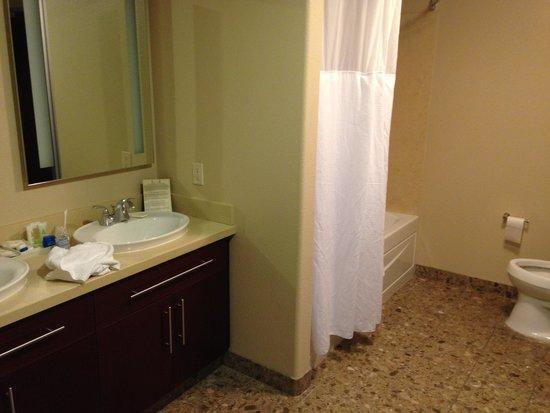 Staybridge Suites Las Vegas : バスルーム