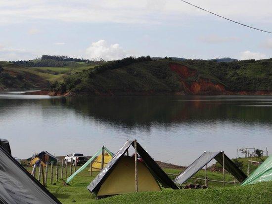 Zona de camping lago calima berlin