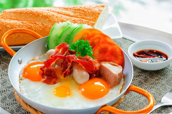 Nhat Ha3 : Trứng ốp la - Fried egg or scrambled egg